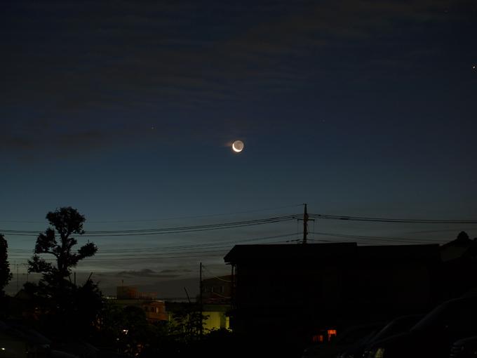 Moon2010071