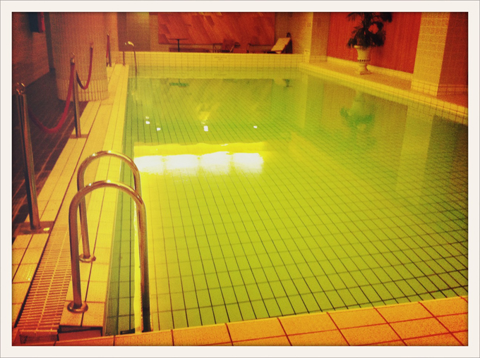 Pool2011612051